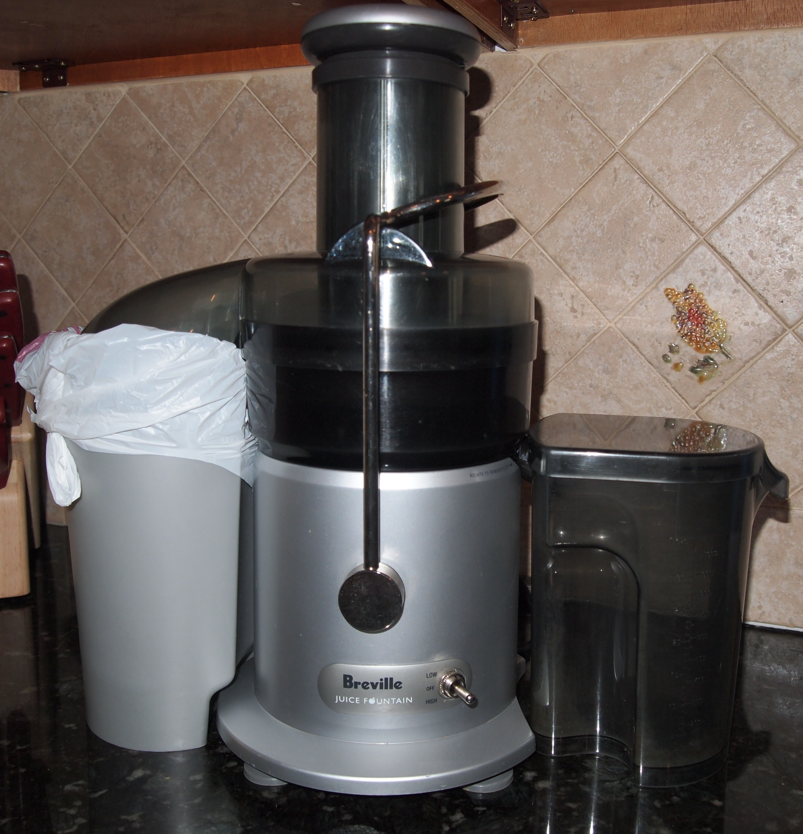 Masticating Juicer Or Centrifugal Juicer : centrifugal juicer Maple Avenue Juice